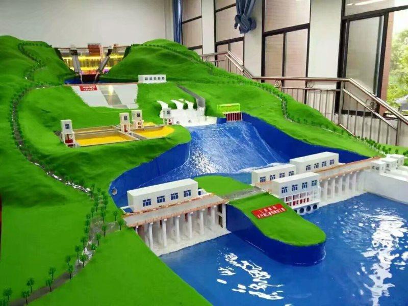 三级梯级水利枢纽模型
